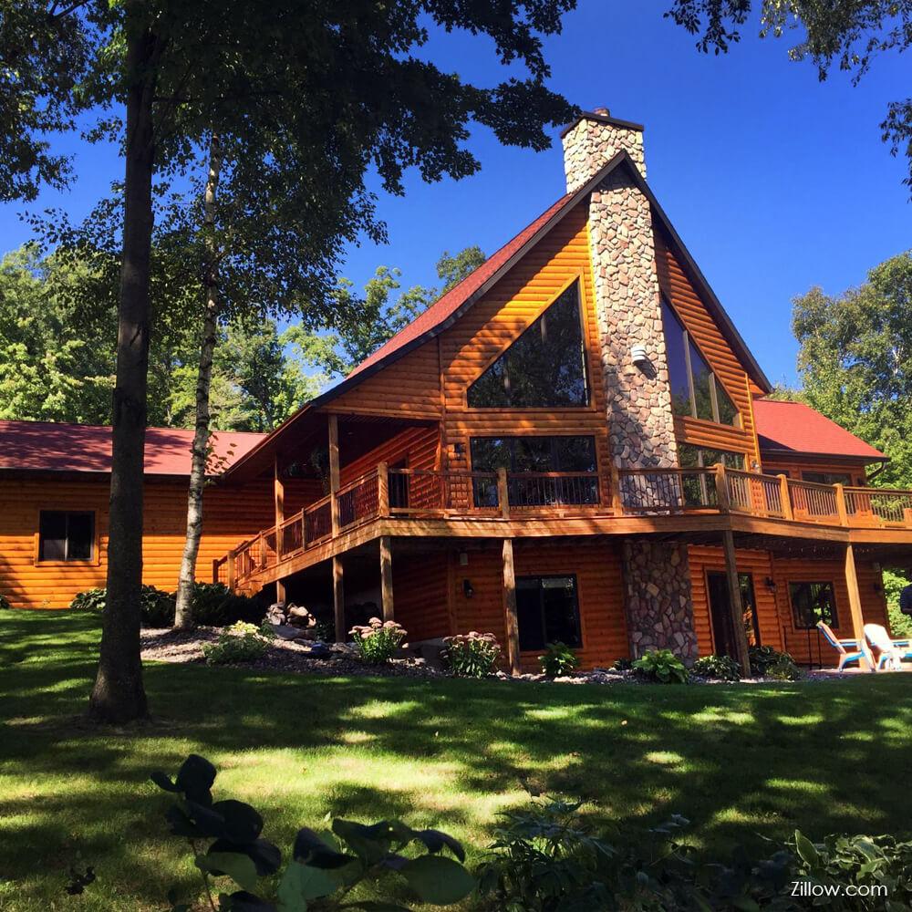 Log home in Chippewa county